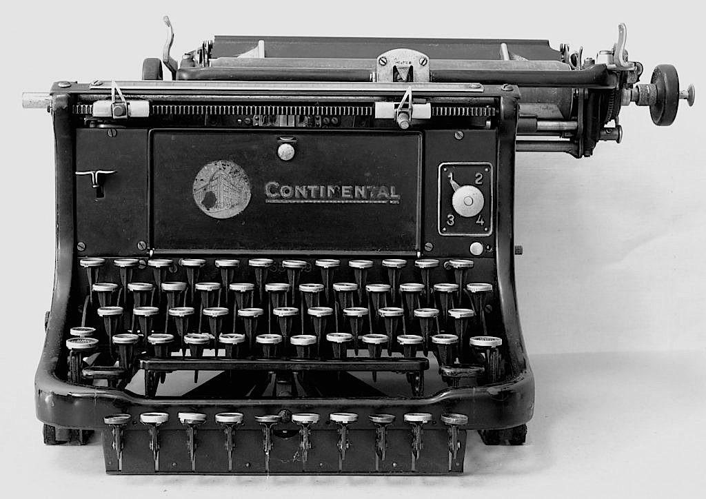 sw_Schreibmaschine_continental_hg-1-1024x724-Kopie-1024x724